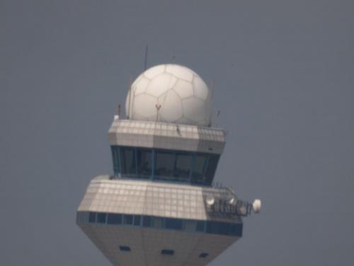 Przykładowe zdjęcie wykonane obiektywem MTO-11CA (1000mm) telekonwerter 2X, zdjęcie wykonane z ręki przy wietrze i padającym deszczu #wieża #pzk #obiektyw