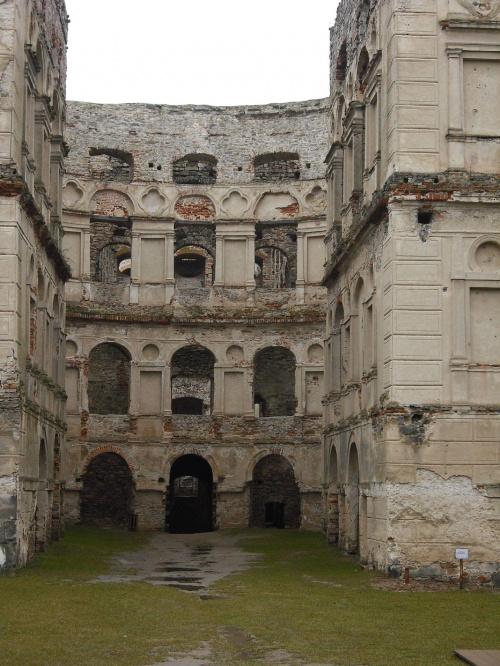 Ujazd,ruiny zamku