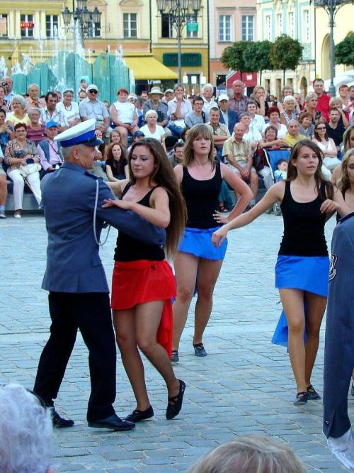 zatańczyć z kapelmistrzem :) #festiwal #orkiestra #policja #wrocław