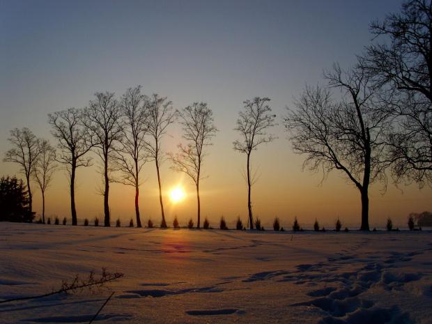 Jedno z najlepszych zdjęć jakie kiedykolwiek zrobiłem. #zima #ZachodSlonca #KowalewoOpactwo #snieg