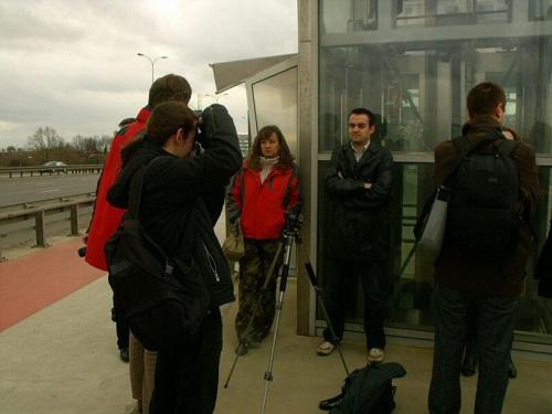 Przedstawiciel Fuji Klub Polska odpowiedzialny za prezentację nowych modeli Tomasz Taberski, otoczony i ostrzelany ;) #Warszawa #AlejeJerozolimskie #FujiFilm #FujiFilmPolska