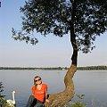POLESIE - nad jeziorem Białym (zawsze się wepchnie jakiś nieproszony gość na zdjęcie ;-)) #Polesie #JezioroBiałe