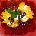 Cermoselle z brzoskwinią..Przepisy na : http://www.kulinaria.foody.pl/ , http://www.kuron.com.pl/ i http://kulinaria.uwrocie.info #ser #brzoskwinia #przekąska #kolacja #śniadanie #gotowanie #jedzenie #kulinaria #PrzepisyKulinarne