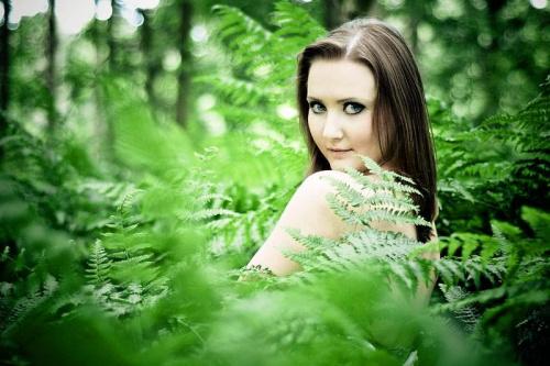 Dagmara #kobieta #dziewczyna #las #portret #paprocie #nikon #airking #passiv